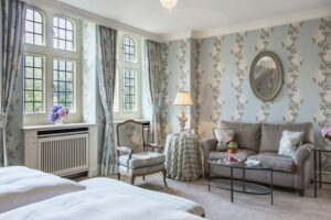 Schlosshotel Kronberg room Deluxe
