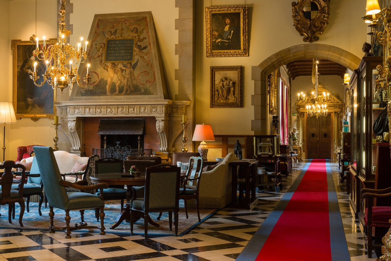 Schlosshotel Kronberg lobby